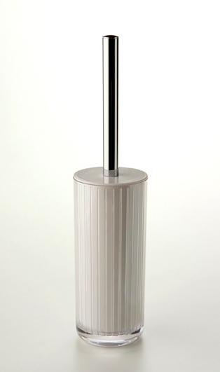 rqr estudio / accesorios de baño line - Struch Accesorios